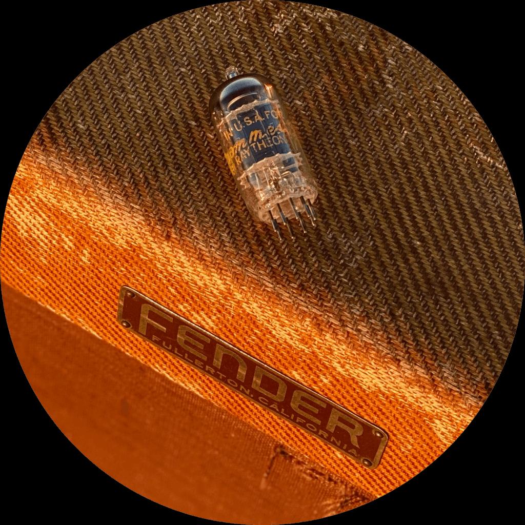 Vintage Tweed Fender Amp & Raytheon 12AX7 | Fuzz Audio