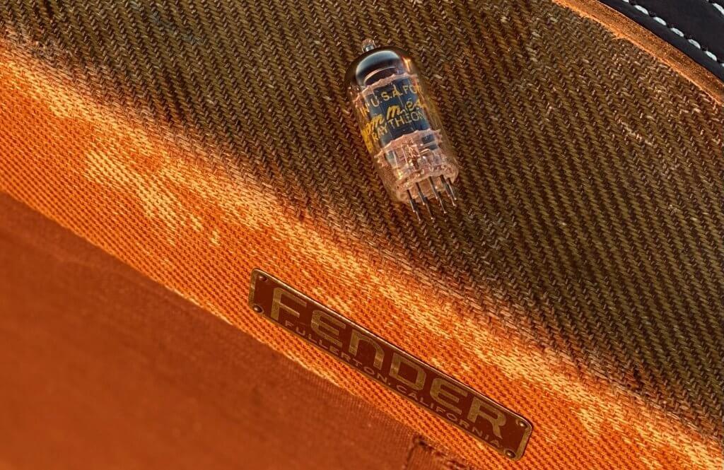 Vintage Tweed Fender Amp & Raytheon Black Plate 12AX7
